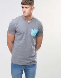 Серая футболка слим с карманом и V-образным вырезом Hollister - Серый