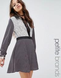 Комбинируемое платье с принтом и контрастным воротником ASOS - Мульти Glamorous Petite