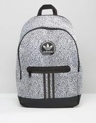 Черный рюкзак с принтом adidas Originals AY7837 - Черный