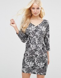 Приталенное платье со сборками Y.A.S - Черный
