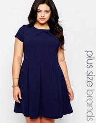 Короткое приталенное платье с плиссированной юбкой Koko Plus