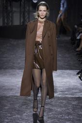 Шелковая блузка Nina Ricci