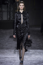 Платье-футляр Nina Ricci