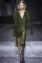 Шелковое платье с пайетками Nina Ricci
