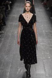 Бархатное платье Valentino