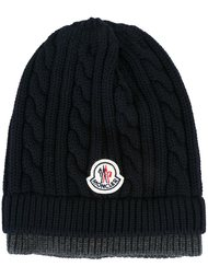 шапка вязки косичкой Moncler