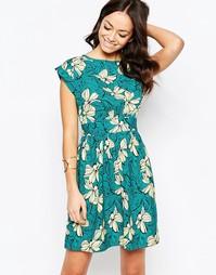 Платье с ярким цветочным принтом и завязками сзади Closet Blu