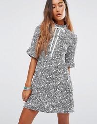 Платье с высоким воротом и завязкой Young Bohemians - Мульти