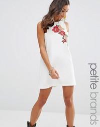 Цельнокройное платье мини с вышивкой Boohoo Petite - Белый