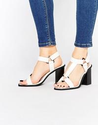 Сандалии на каблуке Truffle Collection - White pu