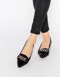 Туфли на плоской подошве с заостренным носком и цепочкой Ravel