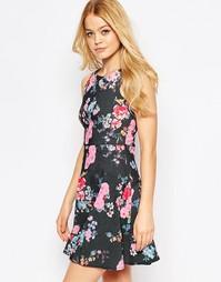 Приталенное платье со свободной юбкой и цветочным принтом Closet