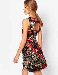 Платье с принтом роз и открытой спинкой Closet