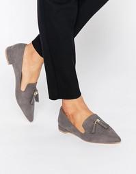 Остроносые туфли на плоской подошве с кисточками Carvela Moss