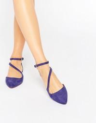 Остроносые туфли на плоской подошве с ремешками Carvela Maverick