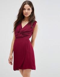 Цельнокройное платье с узлом спереди Wal G - Wine