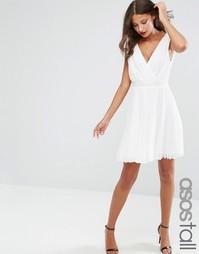 Короткое приталенное платье со складками и декорированной талией ASOS
