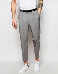 Суженные книзу строгие брюки со стрелками ASOS - Серый