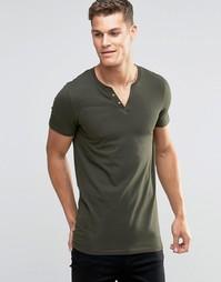 Удлиненная облегающая футболка цвета хаки с разрезом у горловины ASOS