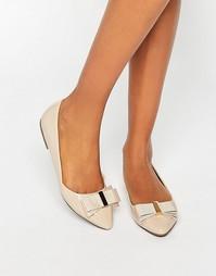 Остроносые туфли на плоской подошве с бантом Miss KG Nessy - Телесный
