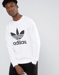 Свитшот с круглым вырезом и логотипом adidas Originals AY7794 - Белый