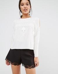 Блузка с кружевными вставками и рукавами ангел Lipsy - Кремовый
