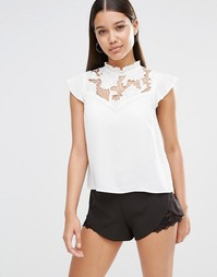 Блузка с короткими рукавами и воротником рюшами Lipsy - Кремовый
