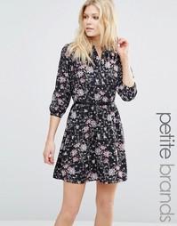 Платье с поясом и цветочным принтом Yumi Petite - Черный