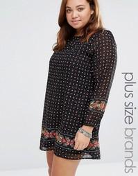 Цельнокройное платье с цветочным принтом Yumi Plus - Черный