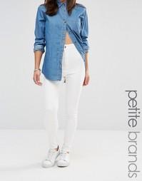 Суперэластичные джинсы с завышенной талией Missguided Petite Vice