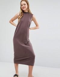 Платье миди без рукавов с высоким воротом Monki - Коричневый