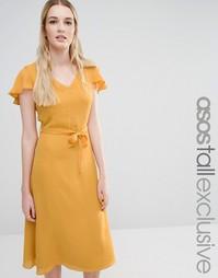 Короткое приталенное платье с открытой спиной и расклешенными рукавами Fashion Union Tall
