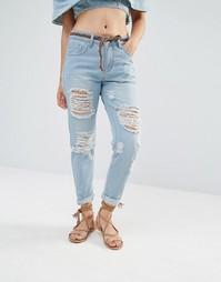 Джинсы в винтажном стиле с рваной отделкой Boohoo - Деним