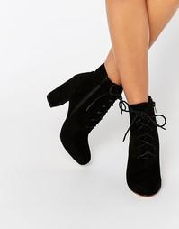 Ботильоны на блочном каблуке и шнуровке London Rebel - Black mf