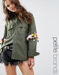 Рубашка в стиле милитари с помпонами и монетами Glamorous Petite