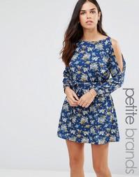 Платье с вырезами на плечах и цветочным принтом Yumi Petite