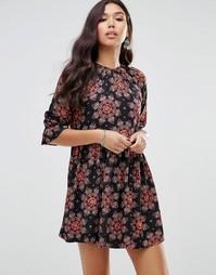 Чайное платье с пышными рукавами и цветочным принтом Motel - Мульти