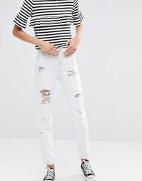 Зауженные джинсы бойфренда Dittos Alec - С рваным дизайном