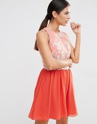 Короткое приталенное платье с кружевным лифом Little Mistress