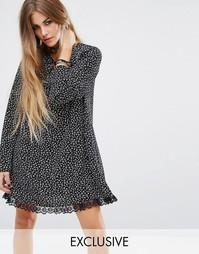 Свободное креповое платье с цветочным принтом Reclaimed Vintage