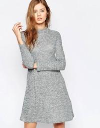 Свободное платье с длинными рукавами b.Young