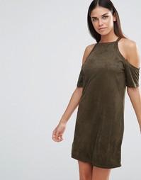 Платье из искусственной замши с открытыми плечами AX Paris - Хаки
