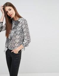 Блузка с запахом и принтом Sisley - 63l