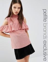 Блузка с открытыми плечами и оборками Fashion Union Petite Victor