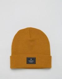 Горчичная шапка-бини с нашивкой ASOS - Горчичный