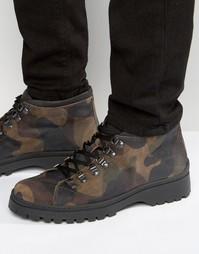 Замшевые ботинки в стиле милитари с камуфляжным принтом ASOS - Хаки