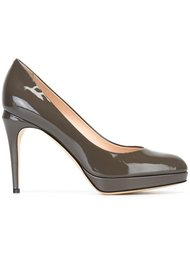 Серые туфли на шпильке  Fendi