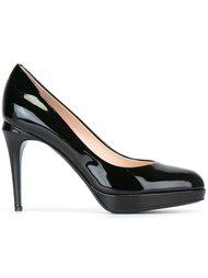 Черные туфли на шпильке  Fendi