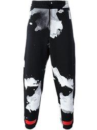 брюки с абстрактным принтом на шнурке Off-White