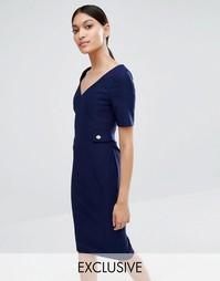 Платье-футляр с V-образным вырезом и золотистыми пуговицами Vesper